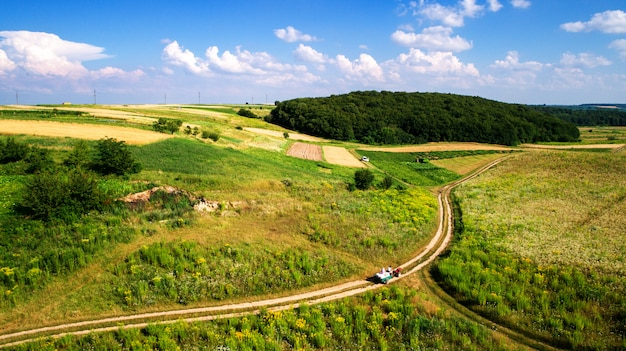 Vista aérea do campo vegetal do zangão