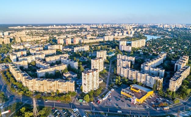 Vista aérea do distrito de raiduzhnyi em kiev, capital da ucrânia