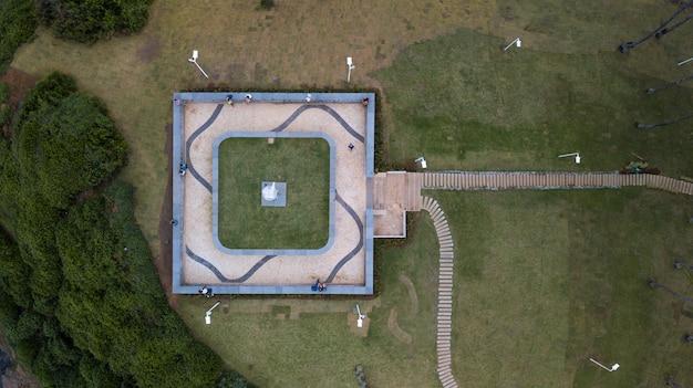 Vista aérea do morro do cristo na barra em salvador bahia brasil.
