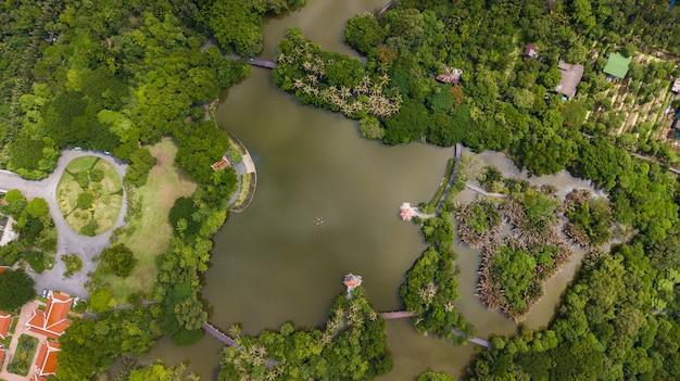 Vista aérea do parque sri nakhon khuean khan e jardim botânico