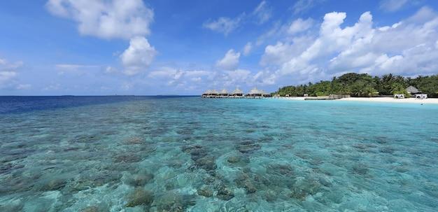 Vista aérea do resort nas maldivas