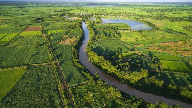 Vista aérea do rio