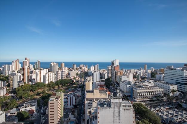 Vista aérea dos edifícios do horizonte de salvador bahia brasil.