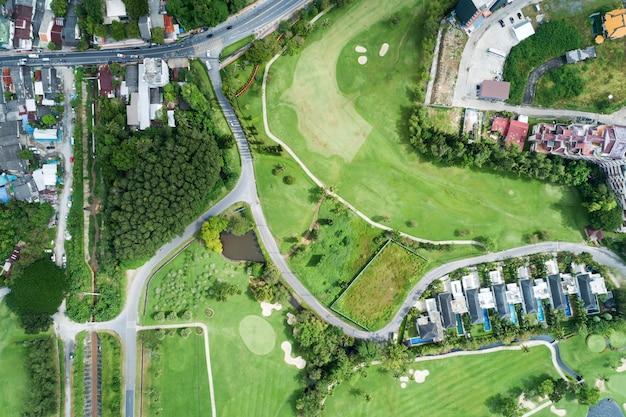 Vista aérea, drone, tiro, de, bonito, campo golfe