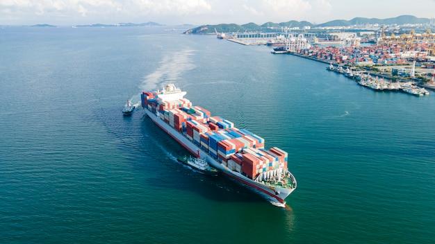 Vista aérea logística e transporte de navio container de carga e importação exportação de carga