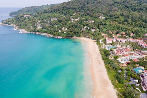 Vista aérea oceano tropical, litoral, praia