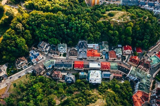 Vista aérea panorâmica da descida de andreevsky