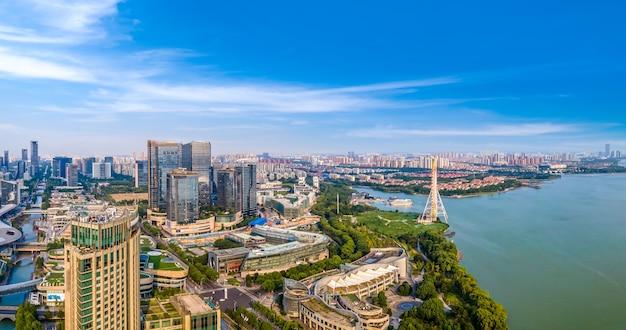 Vista aérea panorâmica do horizonte do suzhou lake east financial center