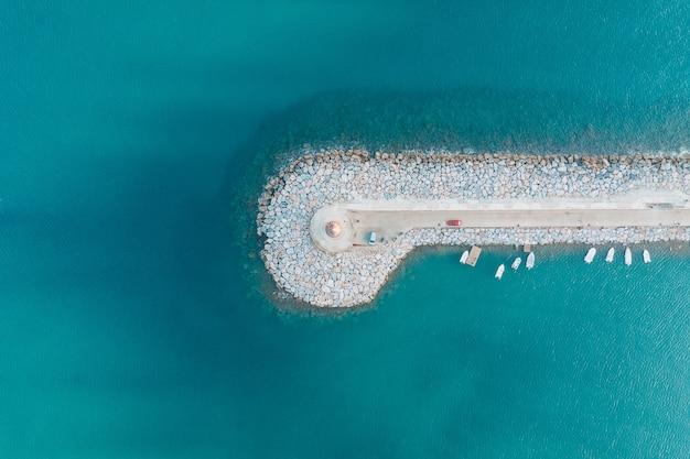 Vista aérea superior de antalya deniz feneri