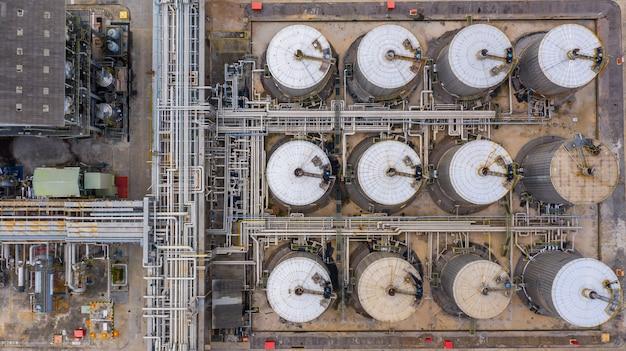 Vista aérea superior tanque de produtos petroquímicos, tanque de armazenamento de petroquímico líquido.