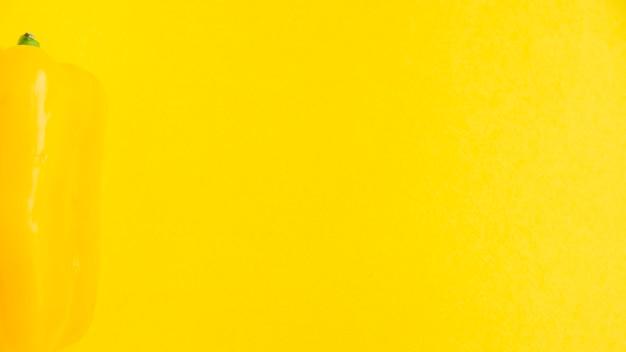 Vista alta ângulo, de, fresco, pimentão, ligado, experiência amarela