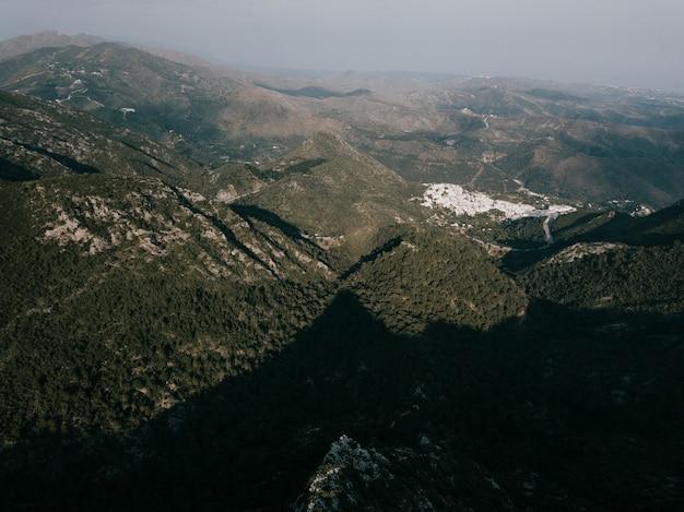 Vista alta ângulo, de, um, paisagem montanha