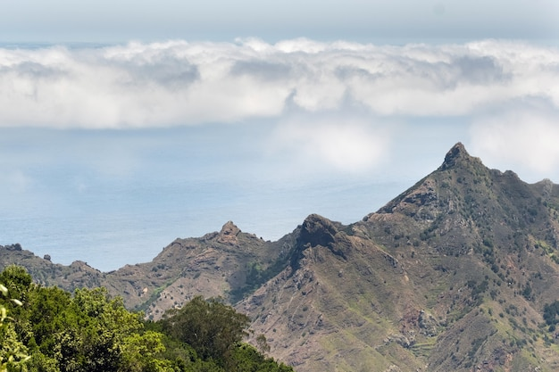 Vista às montanhas de tenerife. ilhas canárias, espanha