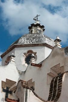 Vista baixa ângulo, de, a, exterior igreja, santuário, de, atotonilco, san miguel allende, guanajuato, m
