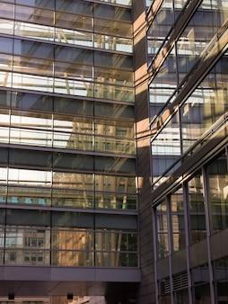Vista baixa ângulo, de, edifícios escritório, montreal, quebec, canadá