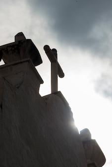 Vista baixa ângulo, de, um, crucifixos, ligado, a, telhado, de, um, igreja, santuário, de, atotonilco, san miguel allende