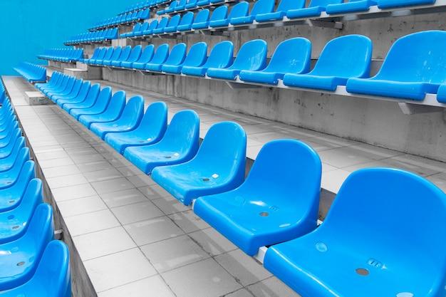Vista baixa ângulo, de, vazio, assentos espectador, em, facilidade esporte, para, competições internacionais