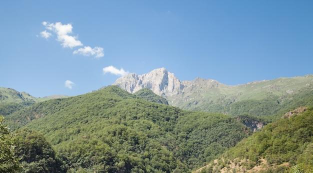 Vista bonita. montanha khustup na armênia