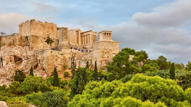 Vista da acrópole em atenas, grécia - paisagem grega