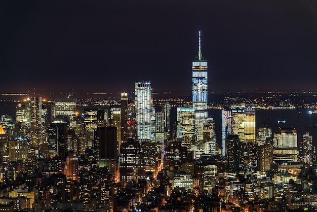Vista da cidade à noite de manhattan