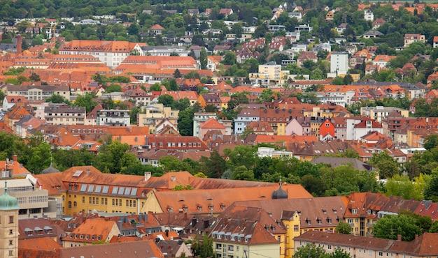 Vista da cidade alemã de wurzburg da colina