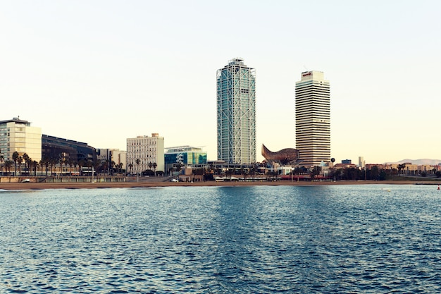 Vista da cidade de barcelina do mar