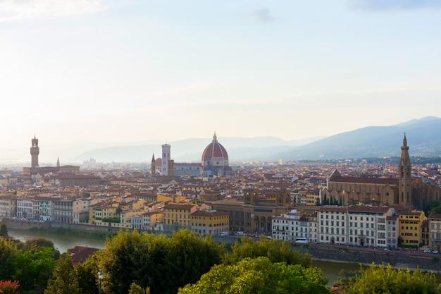 Vista da cidade de florença, itália. horário de verão. duomo.