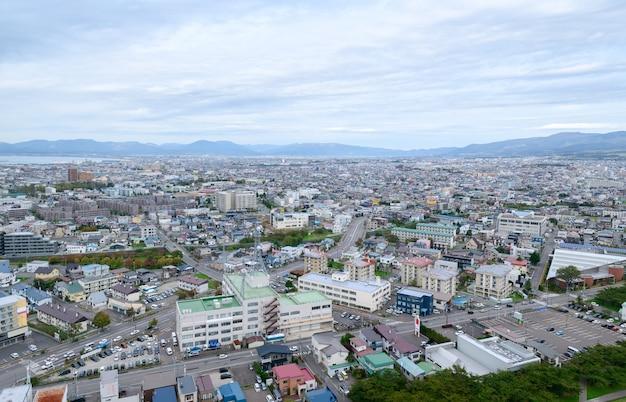 Vista da cidade de hakodate do topo da torre de goryokaku