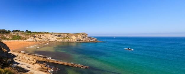Vista da costa de santander