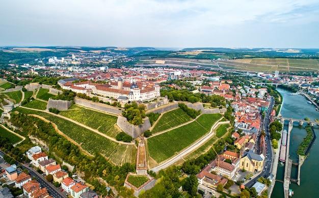 Vista da fortaleza de marienberg em wurzburg - baviera, alemanha