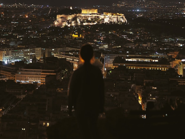 Vista da noite acrópole, atenas; grécia.