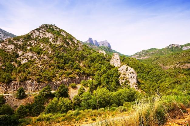 Vista da paisagem das montanhas rochosas