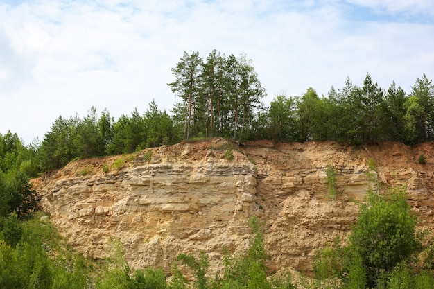 Vista da pedreira de calcário