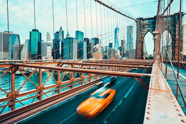 Vista da ponte do brooklyn em nova york. processamento fotográfico especial.