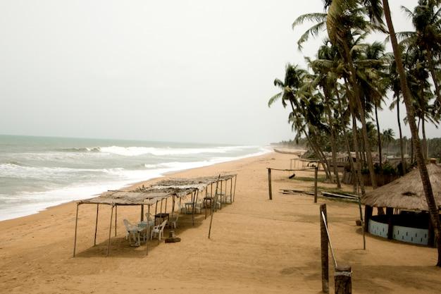 Vista da praia no benim
