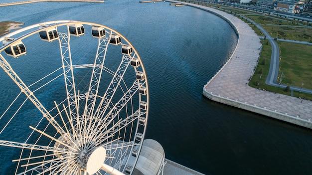 Vista da roda gigante para o mar 2