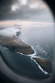 Vista das ilhas faroé do avião