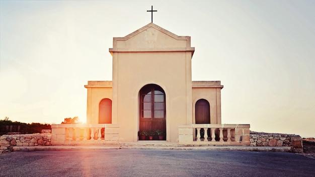 Vista, de, a, pequeno, antiga, capela, em, a, raios, de, pôr do sol
