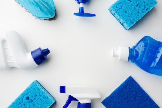 Vista de alto ângulo de produtos de higiene