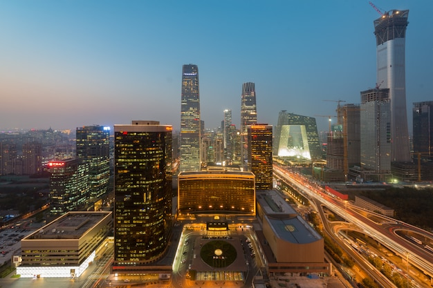 Vista, de, central negócio beijing distrito arranha-céus, predios, em, pôr do sol, em, beijing