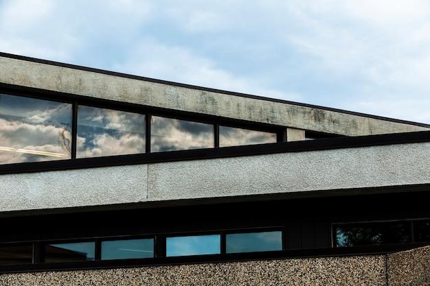 Vista, de, edifício pedra, com, grosseiro, gesso, superfície
