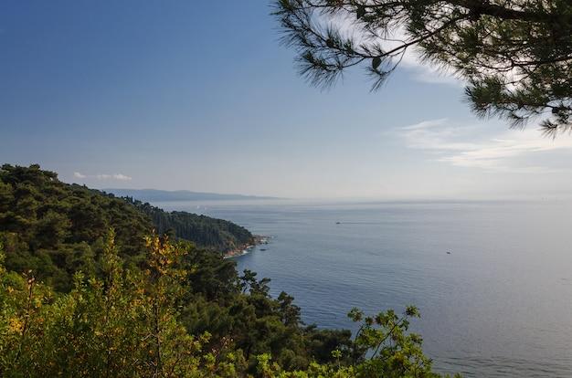 Vista de istambul e o mar da ilha de buyukada