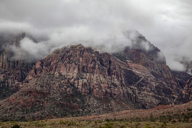 Vista, de, parque nacional rocha garganta vermelha, em, nebuloso, dia, em, nevada