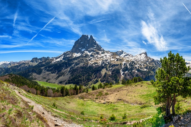 Vista, de, pic, du, midi, ossau, em, springtime, francês, pyrenees