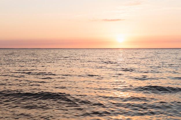 Vista de um lindo pôr do sol