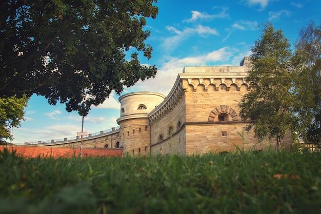 Vista de verão do museu em ingolstadt