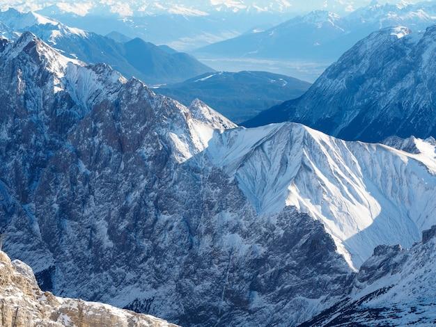 Vista de zugspitze, a montanha mais alta da alemanha.
