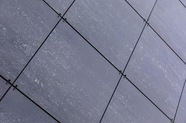 Vista diagonal de cerâmica lisa na parede, design exterior e interior