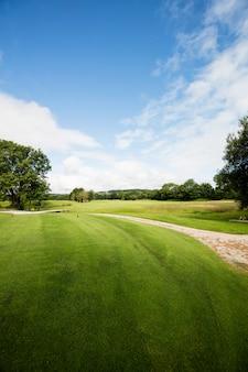Vista do belo campo de golfe