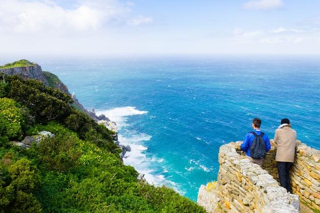 Vista do cabo da boa esperança na áfrica do sul. marco africano. navegação